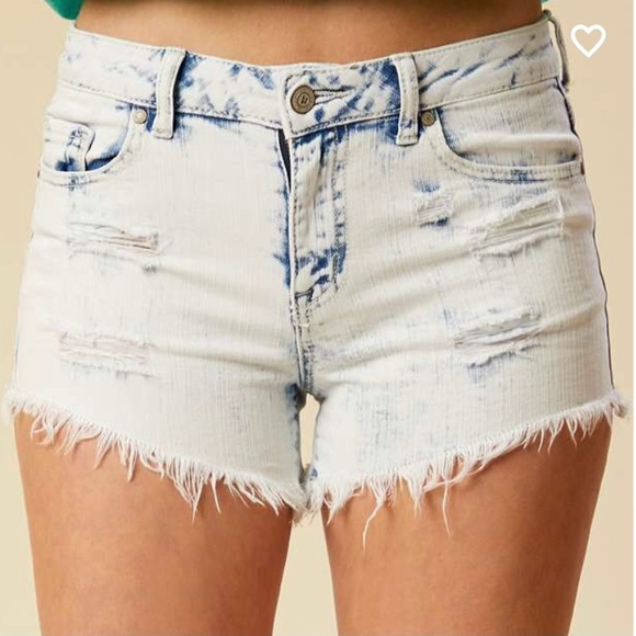 Altar'd State Distressed Shorts in Cloud Wash, 28